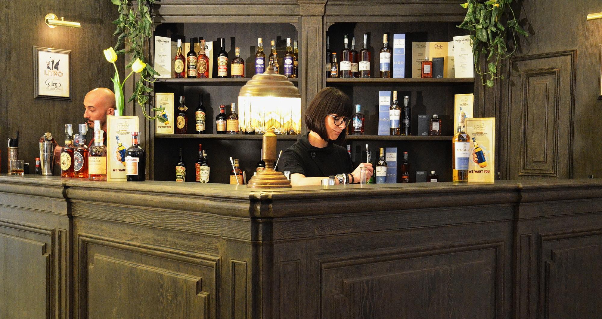 Un angolo bar al rome whisky festival 2017 bottega del fusto for Arredamento angolo bar